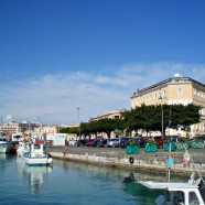 Sicily Travel – Syracuse boat harbor